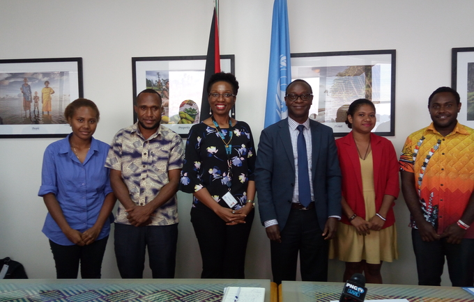 Ms. Darusila Puipui (participant), Mr. Joe Harry (participant), Ms. Adekemi Ndieli (Deputy Country Representative of UN Women in PNG), Mr. Koffi Kouame (Country Representative of UNFPA in PNG), Ms. Lydia Dimokari (participant), Mr. Milton Kisapai (participant) /(from left to right)